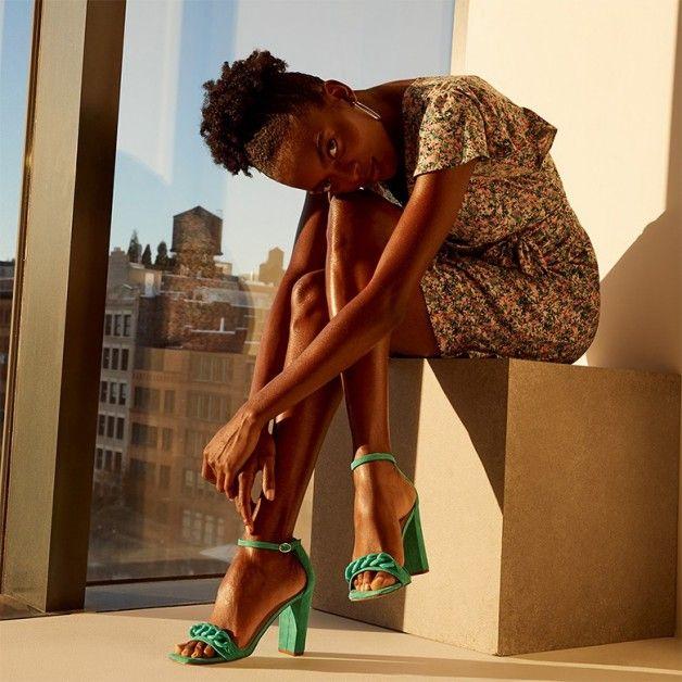 Must have svih trendseterica: Sandale sa lancima