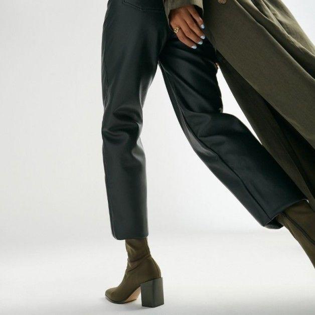 Kako se vratiti na posao sa stilom? Pogledajte must have modele za sve poslovne kombinacije...